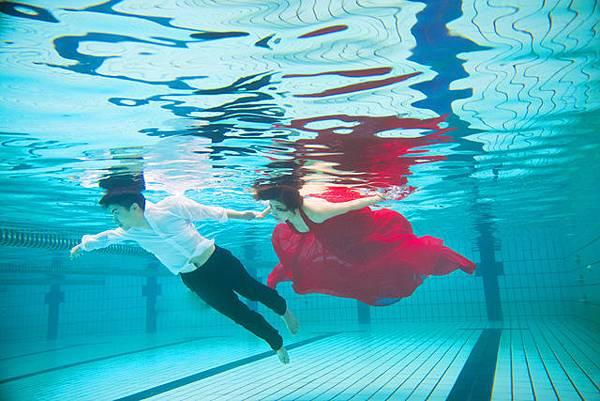 自助婚紗工作室.水中婚紗攝影.