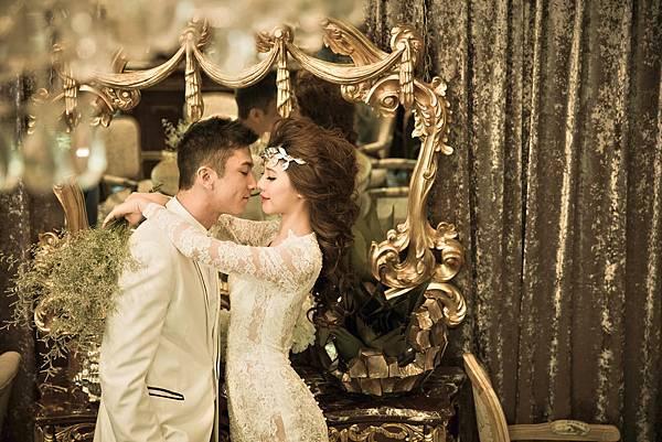 高雄自助婚紗禮服出租專案 自助婚紗拍照禮服 1套白紗+2套晚禮服 NT.7900元