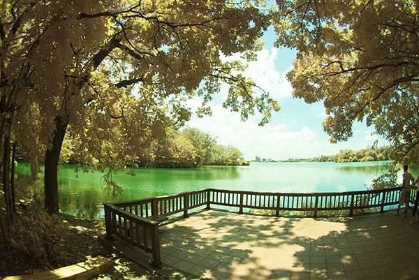圖為:高雄自助婚紗推薦景點-澄清湖