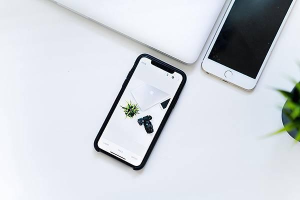 iphone-price-acquisition.jpg