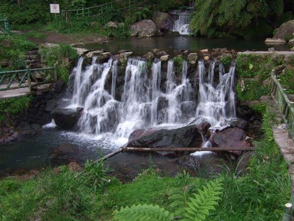 國家公園裡的瀑布