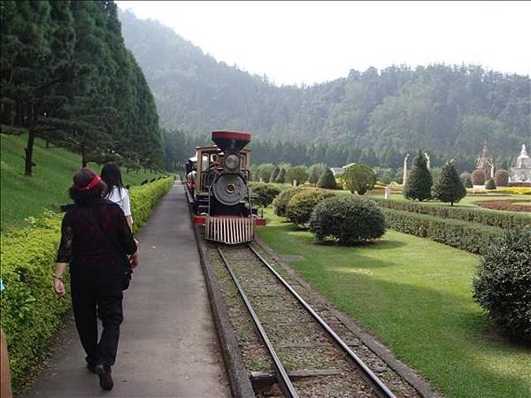 九族小火車