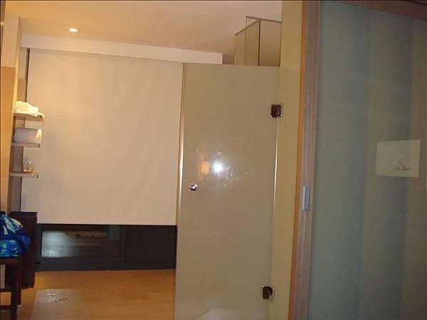 房間的浴室一景
