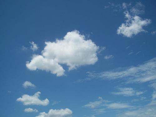 午安!美麗的天空