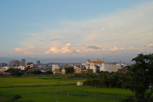 世博看向竹北2