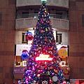 台北火車站大廳的聖誕樹