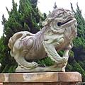 市議會前石獅子2