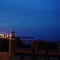 晚上的海邊..