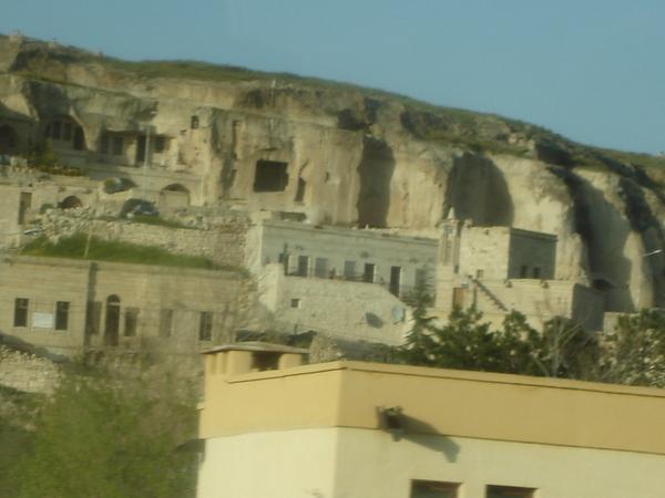 石頭洞穴..