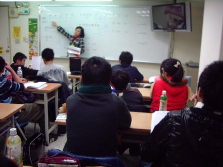 2011 ESI 國中高中學天才夏令營 -3.JPG
