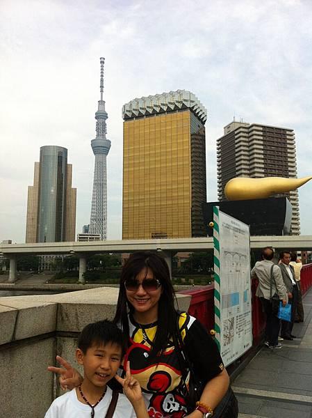 隅田川旁和晴空塔合影