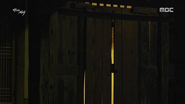 150723.밤을 걷는 선비 제6회 「귀와 같은 존재가 또 있단 것이지」.H264.AAC.720p-CineBus.mp4_20150724_235846.250