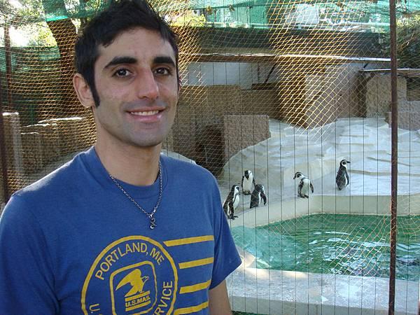 開心地跟企鵝合照~