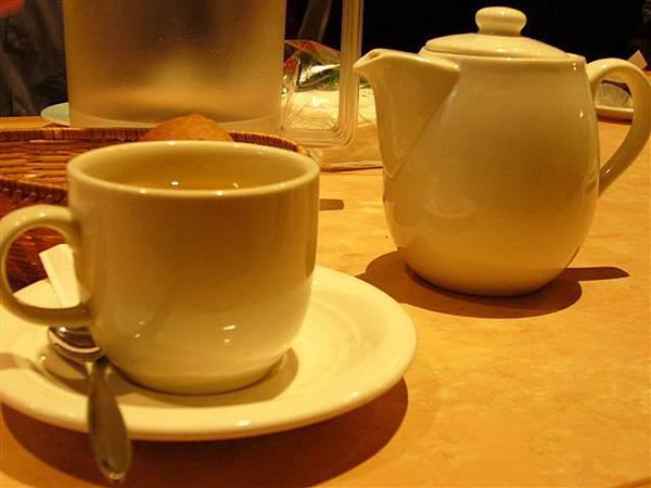 我的玫瑰花茶,很香喔!!