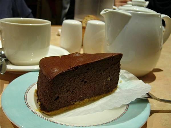 磨卡蛋糕,看起來好好吃喔~~~