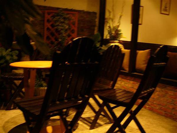 室外一景,三五好友坐在這裡,邊喝茶,邊聊近況,一定很棒