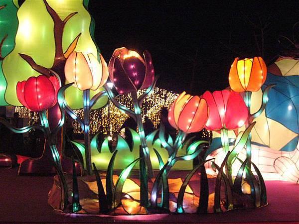 鬱金香花燈,好可愛!
