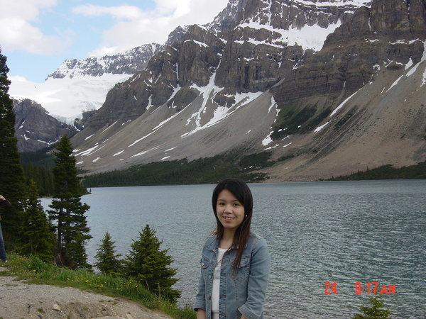 美麗的弓湖--遙望終年不融的冰河
