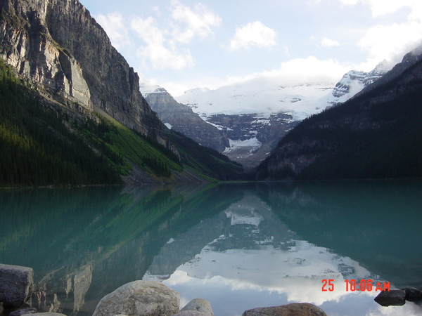 山中的蒙娜麗莎---露易絲湖