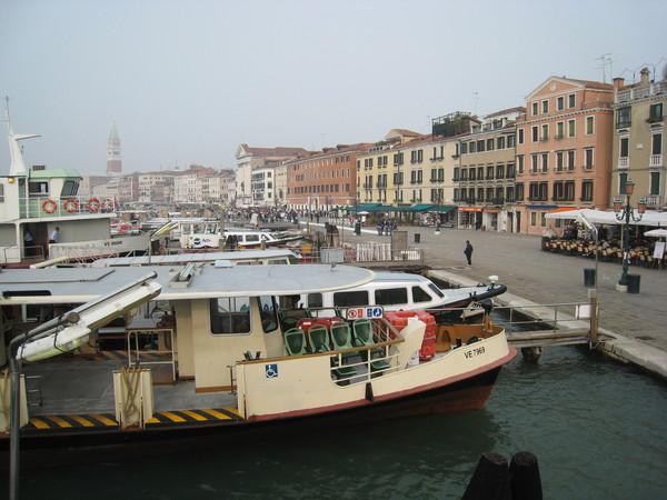 抵達威尼斯港口囉!