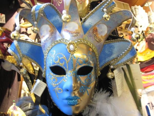 各式各樣的精典面具充斥威尼斯
