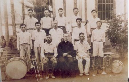 1937年第二代西洋樂團之團員