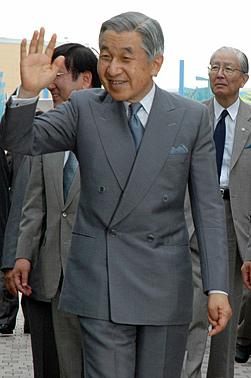 Empr-Hirohito.jpg