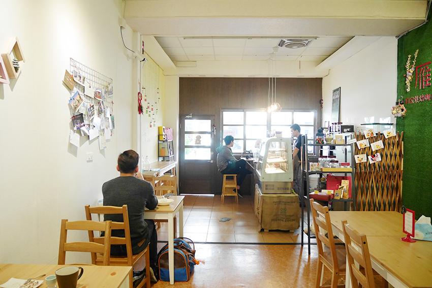 nomadscafe25.jpg
