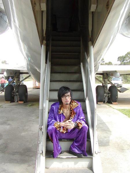 嘎嘎+飛機樓梯照