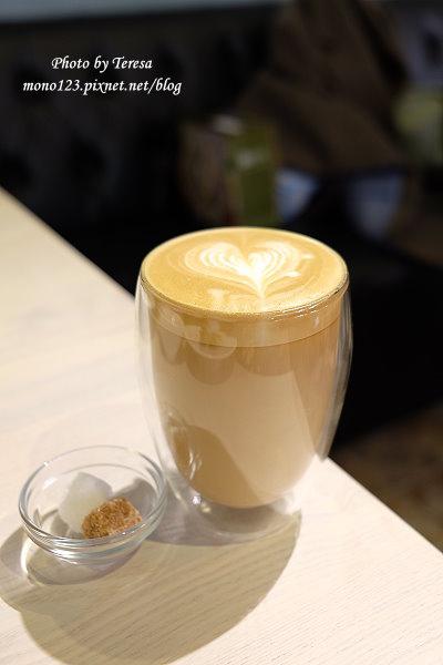 1424485962 1398730349 - 咖啡瑪榭 Caf`e Marche`.環境舒適,咖啡好喝,甜點好吃又好看,女孩兒們衝吧~