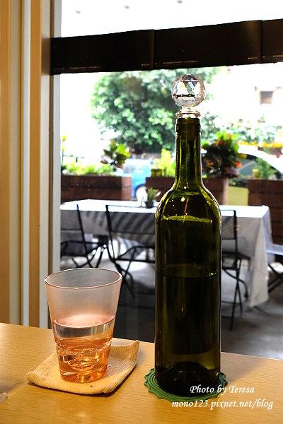 1426732421 1452919753 - Siena Street 西納小街.環境舒適有紫色的貴婦包廂,只是餐點不太合我們的口味