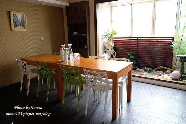 1426732438 907405431 - Siena Street 西納小街.環境舒適有紫色的貴婦包廂,只是餐點不太合我們的口味