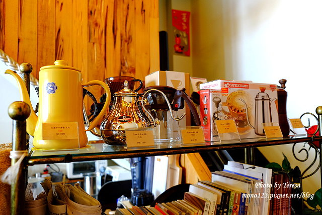 1437234844 4257311118 - 【台中豐原】丹曼精品咖啡.自家烘培咖啡,以大量木頭裝飾的咖啡館,有好喝的咖啡和輕食