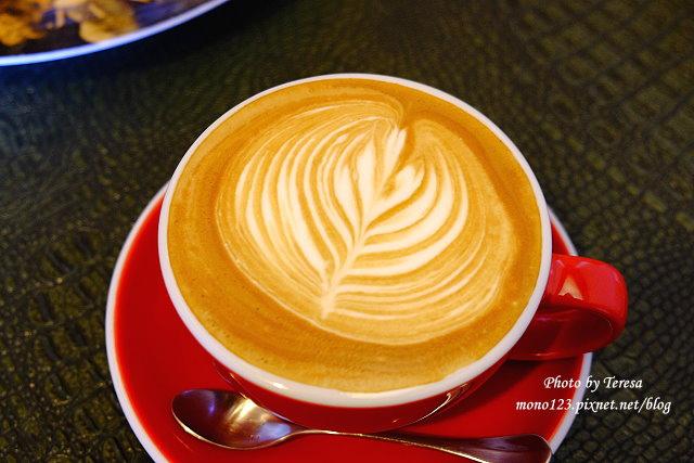 1437234870 3415662108 - 【台中豐原】丹曼精品咖啡.自家烘培咖啡,以大量木頭裝飾的咖啡館,有好喝的咖啡和輕食