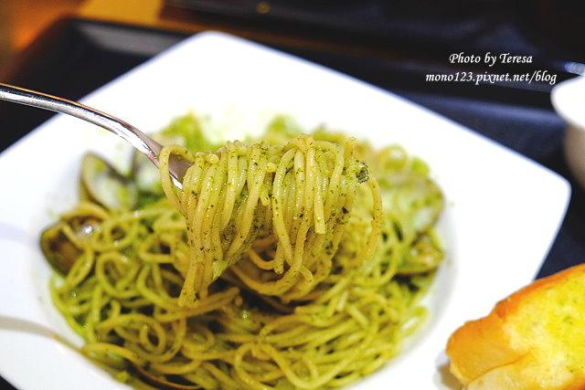 1437235210 2690193554 - 【台中豐原】I`m Feng Cafe.咖啡店賣的不只是咖啡,義大利麵、火鍋、風味套餐、鬆餅、下午茶通通有
