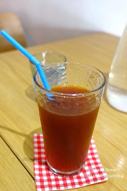 1437235219 3051449527 - 【台中豐原】I`m Feng Cafe.咖啡店賣的不只是咖啡,義大利麵、火鍋、風味套餐、鬆餅、下午茶通通有