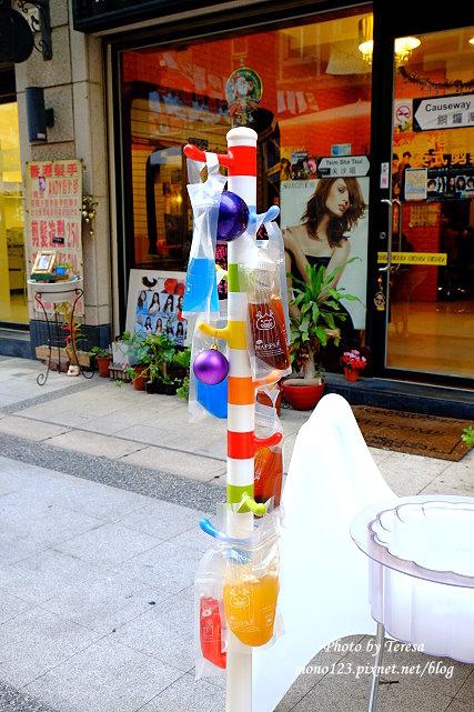 1437664745 1190228397 - 【台中逢甲】mini mapper.逢甲夜市裡韓系小酒館,色彩繽紛的百元調酒帶著喝,微醺的夜晚更微醺了