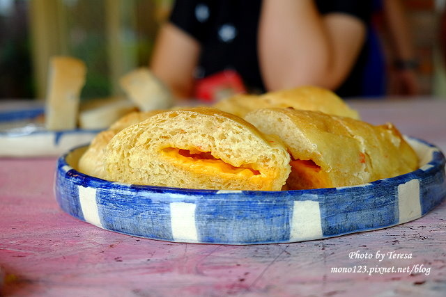 1438097554 2690752342 - 【台中神岡】田中間豬室繪社.廢棄豬舍改造的藝術、休閒和飲食空間,鬆軟的麵包好好吃