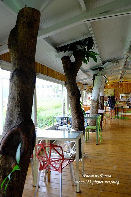 1438097627 2685571553 - 【台中神岡】田中間豬室繪社.廢棄豬舍改造的藝術、休閒和飲食空間,鬆軟的麵包好好吃