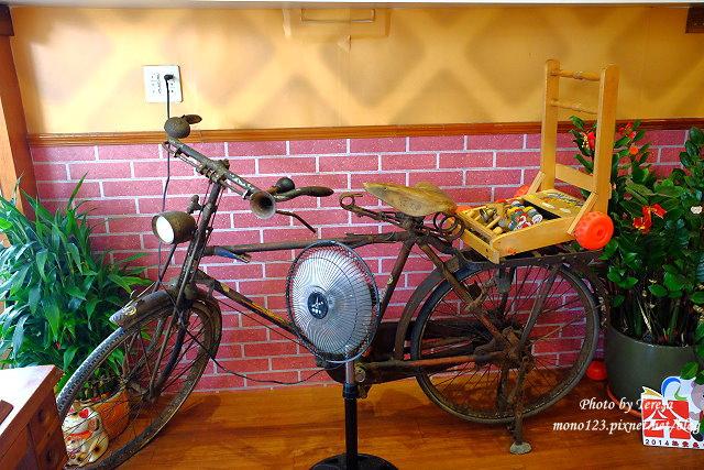 1440819383 119147768 - 【台中南區.冰品】巴部屋工房.有好吃的鮮奶脆餅和吸睛的電鍋冰淇淋,另外有夏季限定的哈蜜瓜盅冰淇淋