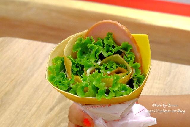 1441121028 1707520888 - 【台中西區.甜點】Fun Tower日式可麗餅.台南超人氣的日式可麗餅來台中展店,創意新吃法,把千層派、馬卡龍、可麗露、布朗尼通通加入可麗餅裡