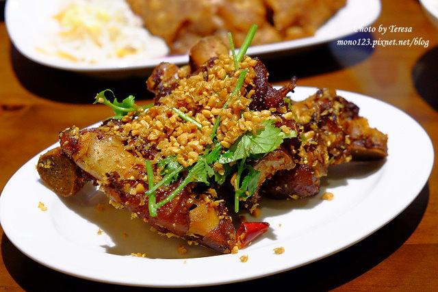 1441728017 3592523291 - 熱血採訪│新唐人御品豬腳,平價的中式料理,有家常小菜也有主廚推薦的避風塘豬腳,還有可以外帶的台灣真情懷古滷味