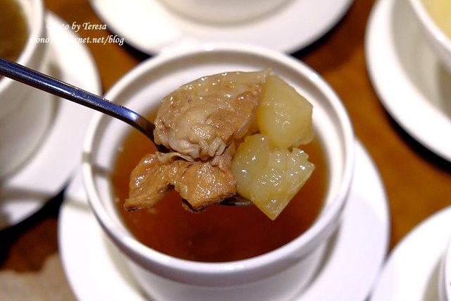 1441728067 123380761 - 熱血採訪│新唐人御品豬腳,平價的中式料理,有家常小菜也有主廚推薦的避風塘豬腳,還有可以外帶的台灣真情懷古滷味