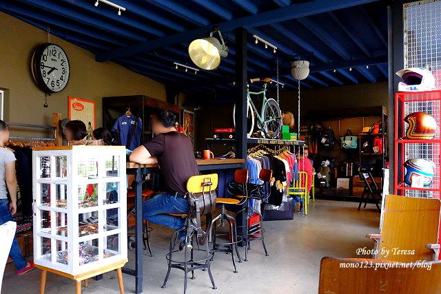 1444057024 877898285 - 神岡咖啡│BAKKU Garage 老車車庫.一群熱愛偉士牌的車友所打造的休憩空間,販售的除了配備、飲料,還有濃濃的人情味