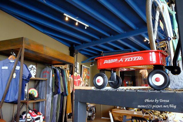 1444057030 3954214503 - 神岡咖啡│BAKKU Garage 老車車庫.一群熱愛偉士牌的車友所打造的休憩空間,販售的除了配備、飲料,還有濃濃的人情味