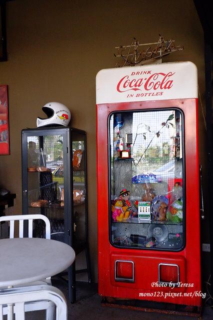 1444057055 861446113 - 神岡咖啡│BAKKU Garage 老車車庫.一群熱愛偉士牌的車友所打造的休憩空間,販售的除了配備、飲料,還有濃濃的人情味