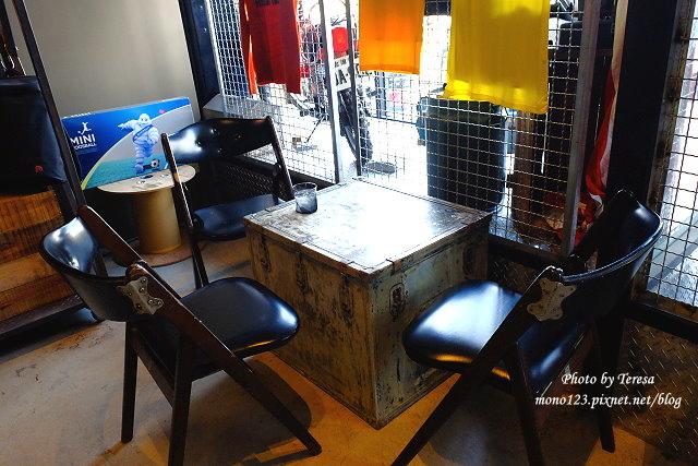 1444057063 2188457888 - 神岡咖啡│BAKKU Garage 老車車庫.一群熱愛偉士牌的車友所打造的休憩空間,販售的除了配備、飲料,還有濃濃的人情味