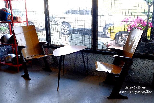 1444057067 2490916977 - 神岡咖啡│BAKKU Garage 老車車庫.一群熱愛偉士牌的車友所打造的休憩空間,販售的除了配備、飲料,還有濃濃的人情味