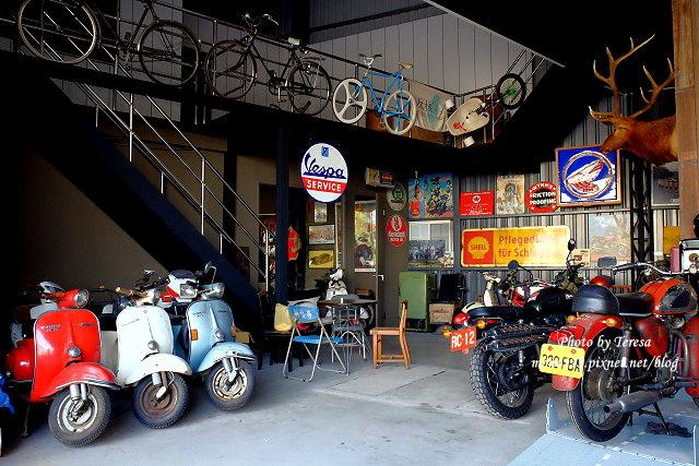 1444057095 3398400426 - 神岡咖啡│BAKKU Garage 老車車庫.一群熱愛偉士牌的車友所打造的休憩空間,販售的除了配備、飲料,還有濃濃的人情味