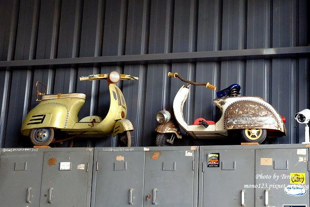 1444057106 2679547272 - 神岡咖啡│BAKKU Garage 老車車庫.一群熱愛偉士牌的車友所打造的休憩空間,販售的除了配備、飲料,還有濃濃的人情味